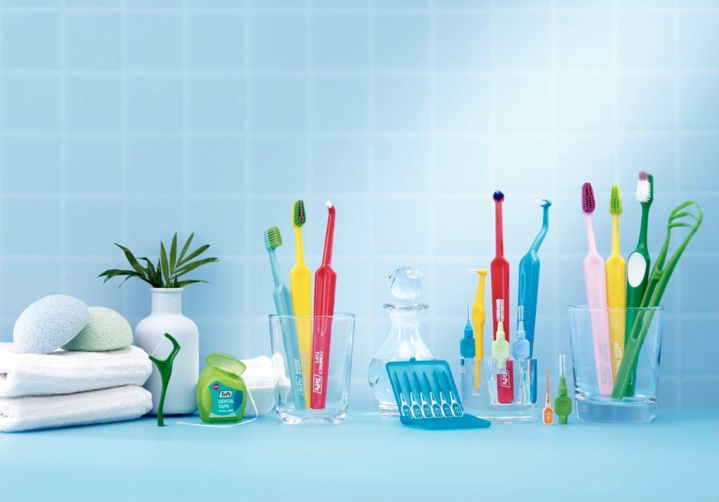 矯正治療中の歯ブラシの選び方と歯磨きのコツとは⁉️